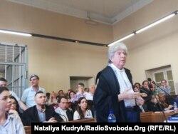 Адвокат Раффаеле Делла Валле під час промови в суді