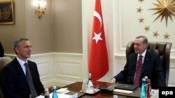 Թուրքիայի նախագահ Ռեջեփ էրդողանն Անկարայում ընդունել է ՆԱՏՕ-ի գլխավոր քարտուղար Յեն Ստոլտենբերգին, արխիվ