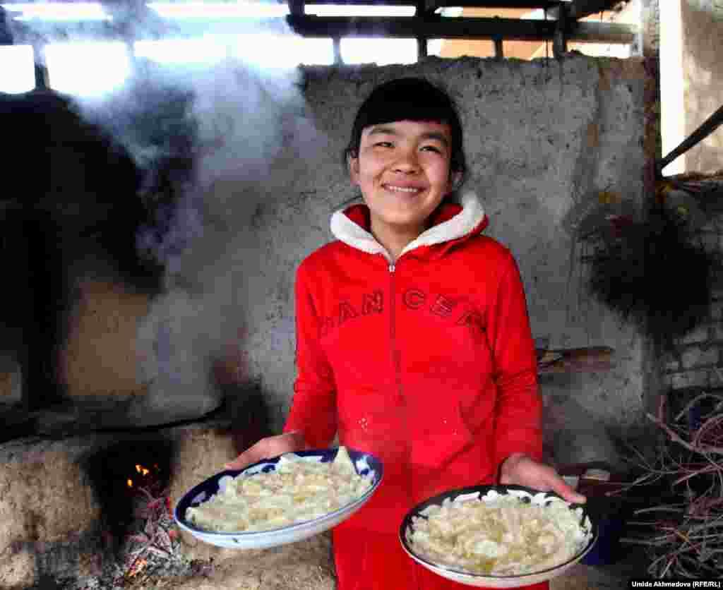 Азима Тулегенова, 14 лет, учится в узбекской школе Паркента.