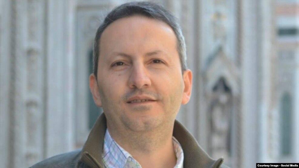 احمدرضا جلالی، پزشک و دارای اقامت سوئد است.