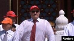 Аляксандар Лукашэнка з сынам Мікалаем на парадзе ў Пэкіне, 3 верасьня 2015 году