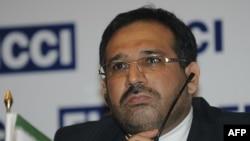 شمسالدین حسینی، وزیر امور اقتصادی و دارایی ایران