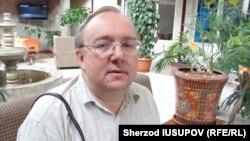 Глава правозащитного центра «Мемориал» Виталий Пономарев.