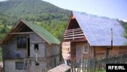 povratničke kuće u Strgačini, photo: Gordana Sandić Hadžihasanović