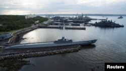 Ілюстраційне фото: кораблі в порту Сєвєроморська