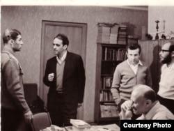Во время голодовки на квартире Александра Лунца (второй слева). Москва, июнь 1973 г.