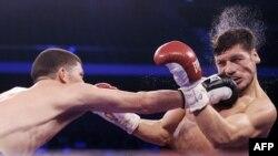 Роман Мартинес (Пуэрто-Рико) менен Диего Магдалено (АКШ). 6-апрель, 2013-жыл