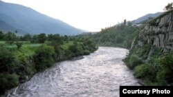The dispute over water from the Samur River is just one aspect of the long-standing clash of economic, and possibly also geopolitical, interests between Daghestan and Azerbaijan.