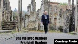 """Plakat za film """"Une vie avec Oradour"""""""