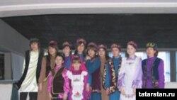 Висагинастан милли киемнәр кигән татарлар