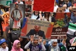 Одна з численних мирних демонстрацій проти російського військового втручання в Сирії. Сідней, жовтень 2015 року