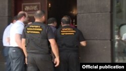 Armenia - Tax inspectors raid the offices of the GLG Project company in Yerevan, 23 June 2018.