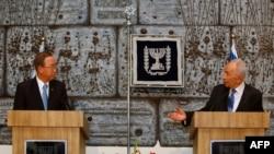 Пан Ги Мун на совместной пресс-конференции с президентом Израиля Шимоном Пересом