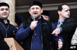 Рамзан Кадыров призвал Путина задействовать в сирийской операции не только авиацию, но и сухопутные войска