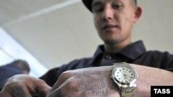 Русь заключенная. Воспитанники тюремного ПТУ в новгородской Панковке на рекламной съемке ИТАР-ТАСС живут за решеткой припеваючи