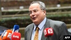Архивска фотографија: Грчкиот министер за надворешни работи Никос Коѕиас