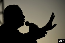 Реджеп Эрдоган выступает на митинге молодежи в Анкаре. 4 мая