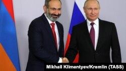 Nikol Pashinian və Vladimir Putin, 14 may 2018