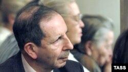 Композитор, преподаватель Петербургской консерватории Сергей Слонимский не принадлежит ни к партии ректора, ни к партии профессоров