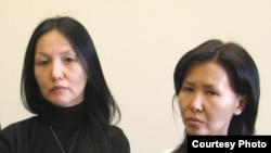 Армангуль Капашева и Гульнара Темиралиева, супруга и сестра похищенного банкира Жолдаса Темиралиева. Вашингтон, 25 февраля 2009 года.