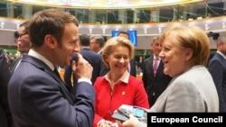 Яке аз охирин мулоқоти рӯбарӯи Макрон ва Меркел 22 феврали соли ҷорӣ дар Брюссел баргузор шуда буд.