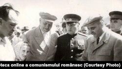 Prietenia româno-sovietică avea rădăcini adânci. Fototeca online a comunismului românesc, cota: 94/1951