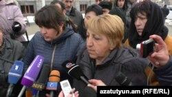Սպանված Ավետիսյանների հարազատները դատական նիստի կազմակերպման պատշաճ պայմաններ են պահանջում