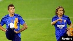 Mario Mandzukic və Luka Modric