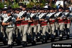 Парад в Париже в День взятия Бастилии. 2008 год