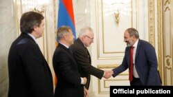 Armenia's acting Prime Minister Nikol Pashinian receives the OSCE Minsk Group co-chairs in Yerevan, 29Oct2018