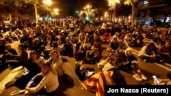 Участники акции в поддержку независимости Каталонии, Барселона, 20 октября 2019 года