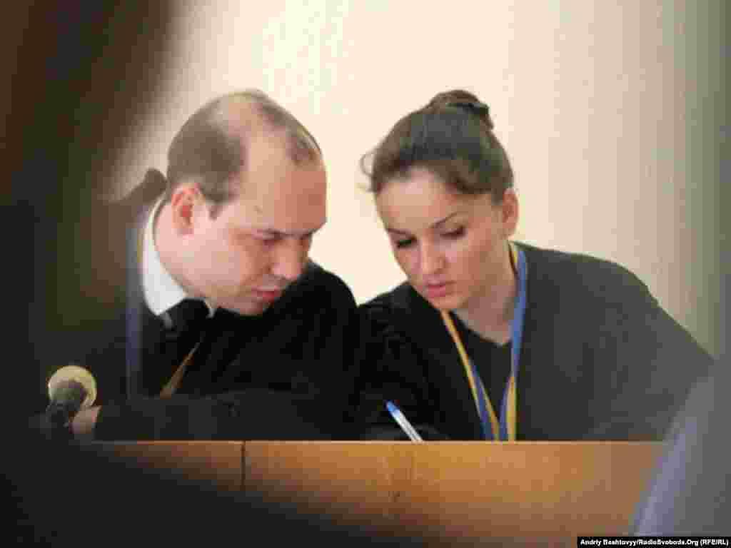 Суддя Сергій Вовк відхилив клопотання адвокатів про свій відвід у справі проти екс-міністра внутрішніх справ Юрія Луценка.