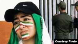 صحنه ای از فیلم آفساید، ساخته جعفر پناهی که هیچ گاه اجازه پخش در ایران را پیدا نکرد.