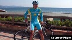 Жас велошабандоз Мақсат Аязбаев. (Сурет жеке мұрағаттан алынды)