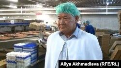Талдықорғандағы құс фабрикасының директоры Ниязбек Тәтібеков. Алматы, шілде, 2015 жыл.