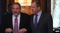 سرگئی لاوروف و آویگدور لیبرمن، وزیران خارجه روسیه و اسرائیل