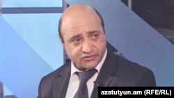 Адвокат Самвела Бабаяна Аветис Калашян в студии «Азатутюн ТВ», Ереван, 9 мая 2017 г.