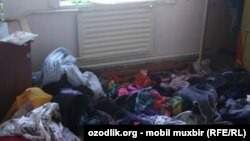 Так выглядела комната в доме Тухтагуль Турдиевой после обыска милиционеров.