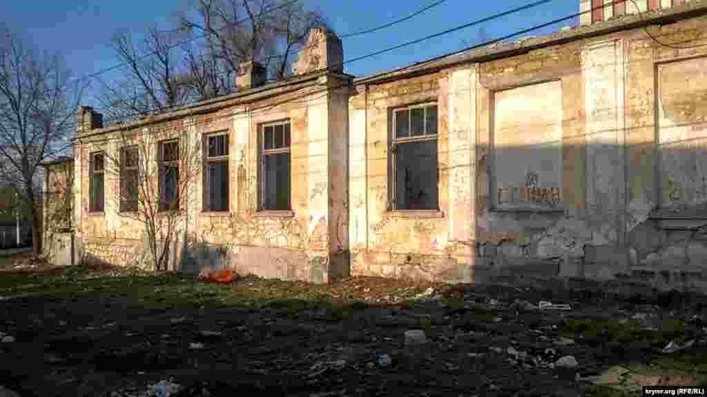В декабре прошлого года подконтрольные Москве власти Крыма заявили, что намерены провести реновацию жилья в старой части Симферополя