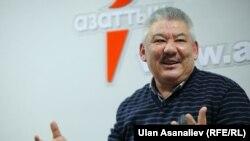 Азимбек Бекназаров.