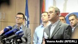 Vučić odlučuje o svemu, pa i da se hapse deca: Lutovac