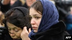 Жанна Немцова на похоронах отца 3 марта