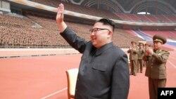 یک مراسم دولتی در پیونگیانگ با حضور کیم جونگاون رهبر آن کشور