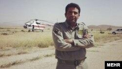 آقای شجاعی ۳۹ ساله در پارک ملی بمو در شمال شیراز با شکارچیان غیر قانونی درگیر شد و از ناحیه سینه و گلو هدف گلوله قرار گرفت.