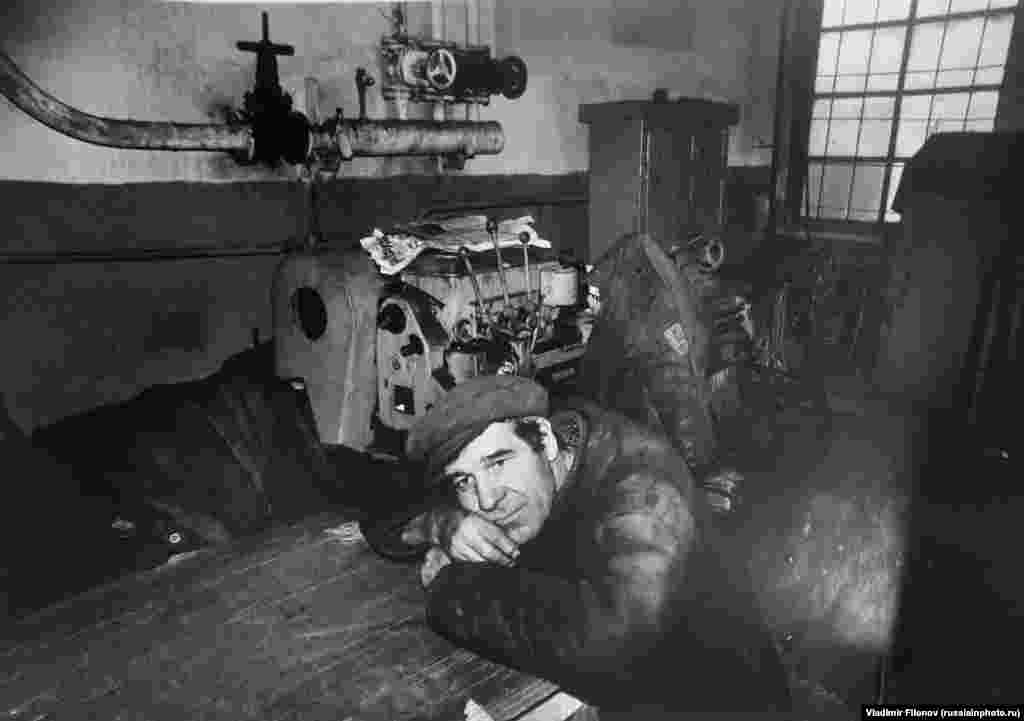 A machinist on a break in 1980.