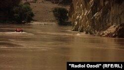Фото с места трагедии на реке Пяндж