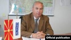 Шефот на мисијата на ОБСЕ во Македонија, амбасадорот Ралф Брет.