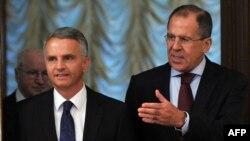 دیدیه بورکهالتر، وزیر خارجه سوییس (چپ) چهارم آبانماه در مسکو با همتای روس خود، سرگئی لاوروف دیدار کرد.