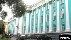 Жазушылар одағының ғимараты. Алматы, 15 маусым 2008 жыл