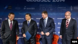 """Премьер-министры стран """"Вышеградской четверки"""" (Польша, Венгрия, Словакия, Чехия)"""